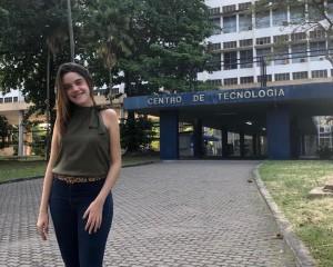 Ex-aluna conquista espaço na UFRJ