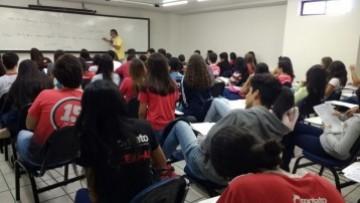 Aulão de preparação para UPE revisa conteúdos